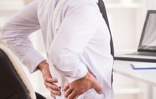 Combating Work Related Back Pain Effectively (IMG)