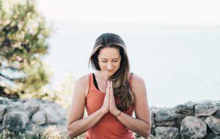 can-yoga-help-people-suffering-from-vertigo